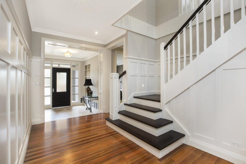 Перила лестницы