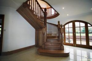 Обшивка лестниц дубом