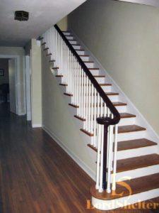 Отделка металлической лестницы деревом