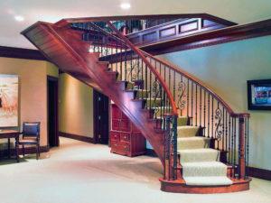 Лестница в квартире на второй этаж
