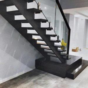 Цвет лестницы в деревянном доме