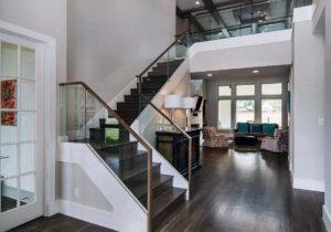 Лестницы в интерьере загородного дома