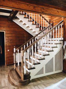 Лестница в загородном доме на второй этаж - Обнинск