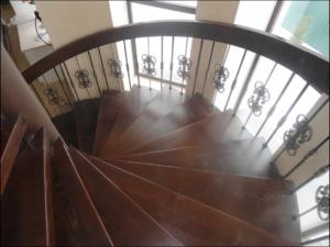 Лестницы в коттеджах на второй этаж - Видное